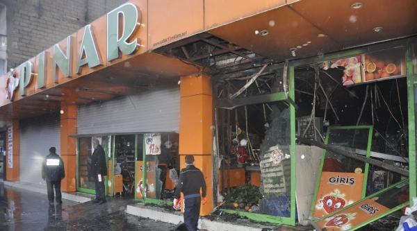 Soydukları Marketi Ateşe Verip Kaçtılar