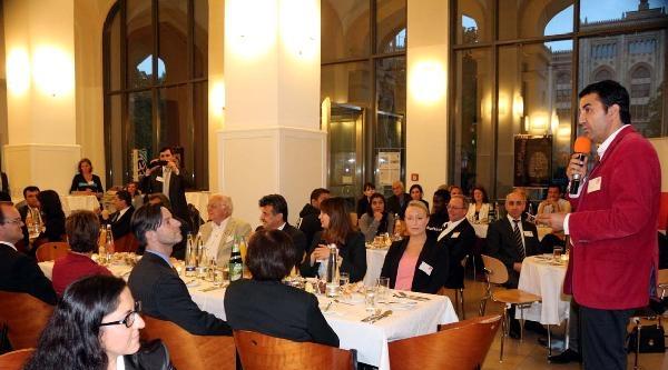 Spd'nin Münih'teki İftarinda 'tabutsuz Defin' Sorunu Konuşuldu