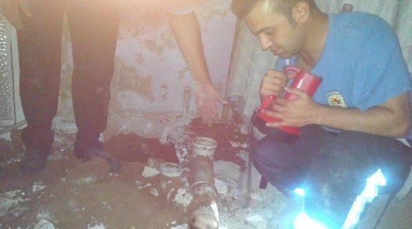Su Borusuna Sıkışan Yavru Köpek Kurtarıldı