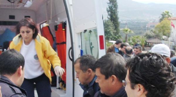 Su Kanalına Uçan Otomobilin Sürücüsü Yaralandı