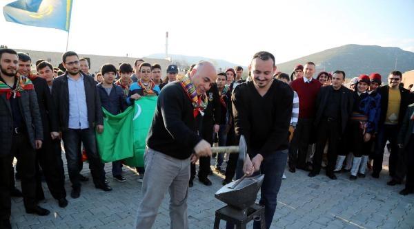 Süleyman Demirel Üniversitesi'nde Nevruz Coşkusu