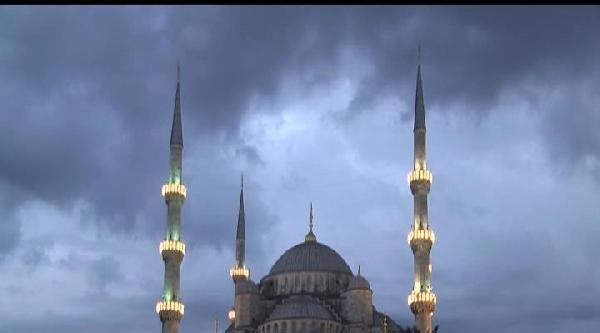 Sultanahmet'te Regaip Coşkusu