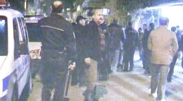 Şüpheliyi Gözaltina Almak Isteyen Polise Saldiri: 3 Yarali