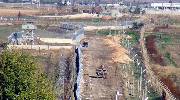 Suriye Siniri Ile Nusaybin Arasindaki Duvar Yapimi Tamamlandi