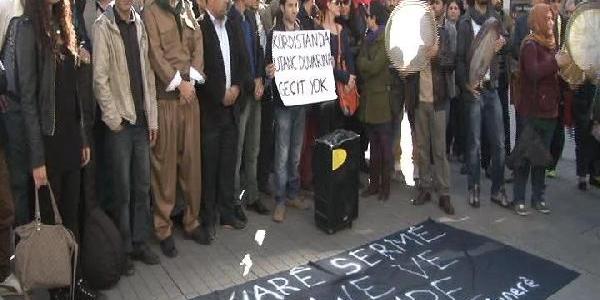 Suriye Sinirina Örülen Duvar, Galatasaray Lisesi Önünde Protesto Edildi
