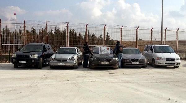 Suriye Sinirinda 5 Çalinti Otomobile El Konuldu