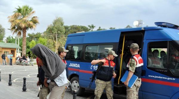 Suriye Sınırında Kaçakçılık Operasyonu: 24 Gözaltı (2)