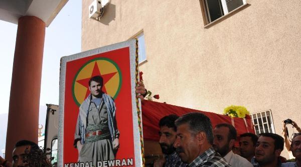 Suriye'de Öldürülen Ypg'linin Cenazesi Hakkari'ye Getirildi