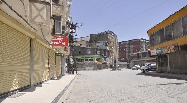 Suriye'de Öldürülen Yüksekova'lı Ypg'li İçin Kepenkler Açmadı (fotoğraf)