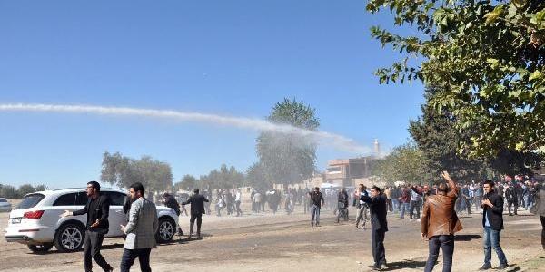 Suriye'den Nusaybin'e Getirilen Cenazede 'otopsi' Yüzünden Olaylar Çikti