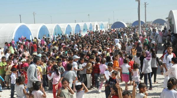 Suriyeli 5 Bin 600 Öğrenci Karne Heyecanı Yaşadı
