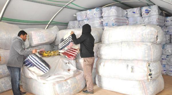 Suriyeli Siğinmacilara 15 Bin Battaniye Dağitildi