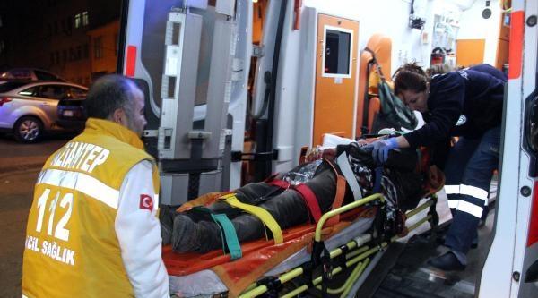 Suriyeliler Arasında Bıçaklı Kavga: 1 Yaralı