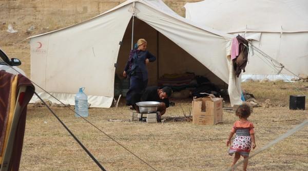 Suriyeliler Çadirlarda Zor Şartlarda Yaşıyor