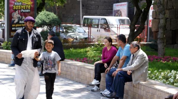 Suriyeliler'den Türkçe Yazılı Yardım İsteği