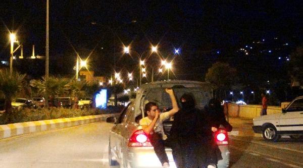 Suriyelilerin Otomobil Bagajında Tehlikeli Yolculuğu