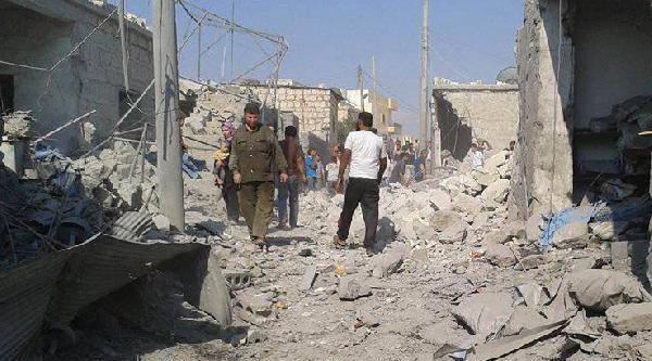 Suriye'nin Sarmada Kasabası'na Füze Atıldı: 9 Ölü
