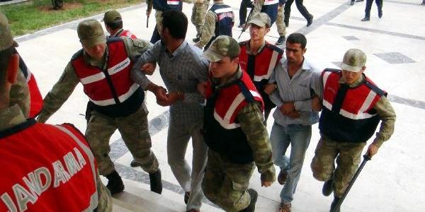 Suriye'ye Kaçan 2 Cinayet Şüphelisi Dönünce Yakalandi