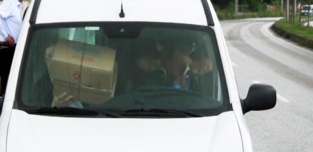 Sürücü koltuğundakine dikkat!