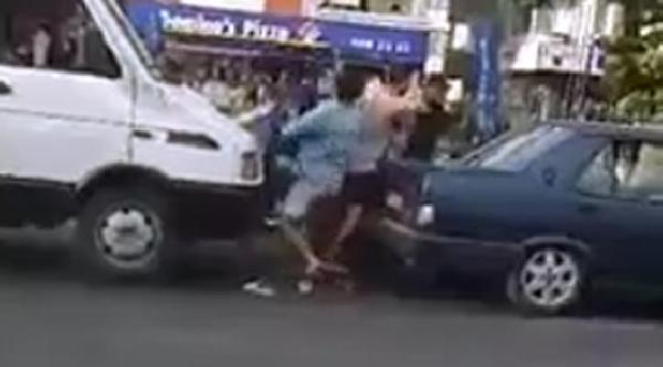Sürücüler Trafikte Tekme Tokat Kavga Etti