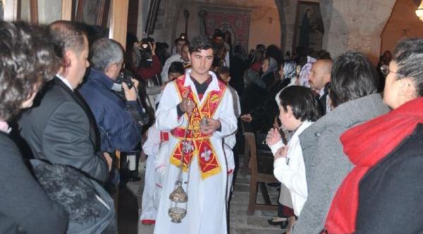 Süryaniler 'doğuş Bayrami'ni Kutladi(2)