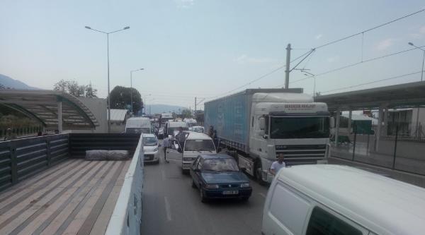 Susuz Kalan Vatandaşlar Ankara Yolunu Kapattı