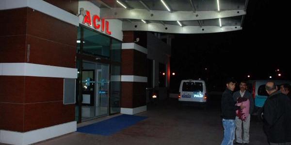 Tabancasini Yere Düşüren Polis Memuru Yaralandi