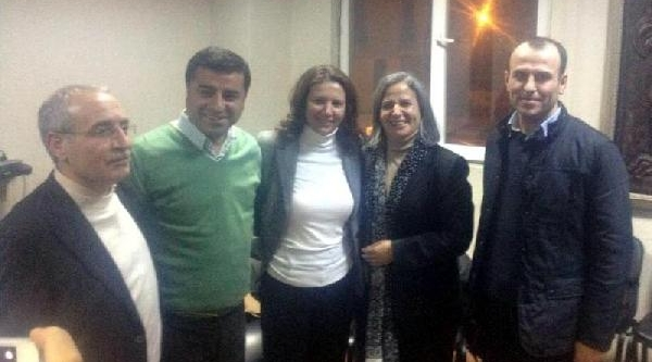 Tahliye Edilen Tutuklu 3 Milletvekili Demirtaş Ve Kişanak Ile Buluştu