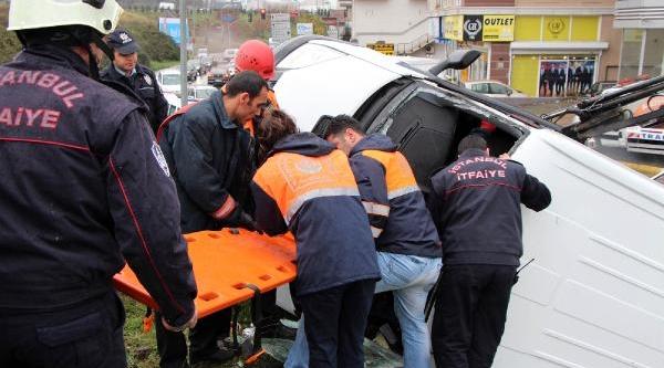 Takla Atan Minibüsün Sürücüsünü Itfaiye Kurtardi