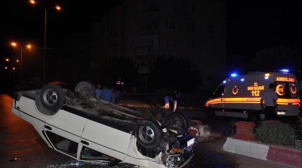 Takla Atan Otomobildeki 2 Arkadaş Yaralandı