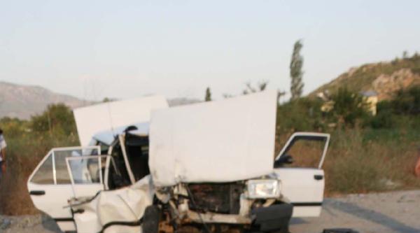 Takla Atan Otomobilin Sürücüsü Yaralı Kurtuldu