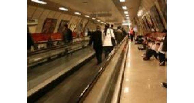 Taksim Metrosu'nda kaybolan kız bulundu