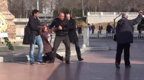 Taksim'de Berkin Elvan Eylemi Yine Gözaltiyla Sonuçlandi