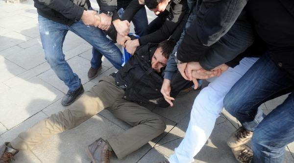 Taksim'de Yaka Paça Gözalti