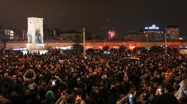 Taksim'de Yeni Yil Kutlamalari