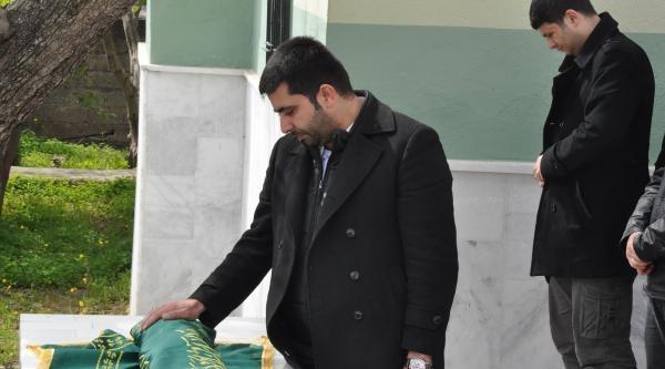 Talha Bebek, Son Yolculuğuna Babasının Kollarında Uğurlandı