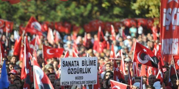 Tandoğan Meydani'nda Cumhuriyet Bayrami Kutlamasi (1)