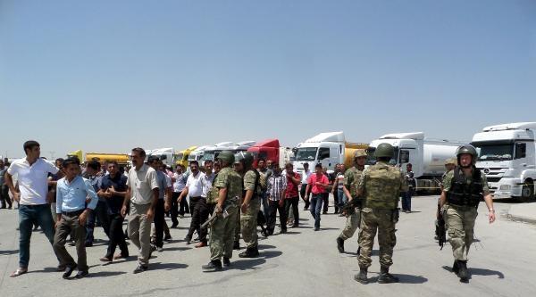 Tanker Şoförleri Habur'da Kontak Kapattı