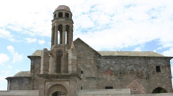 Tarihi Kilise Onarım Bekliyor