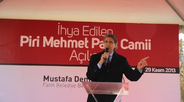 Tarihi Piri Mehmet Paşa Camii Ibadete Açildi