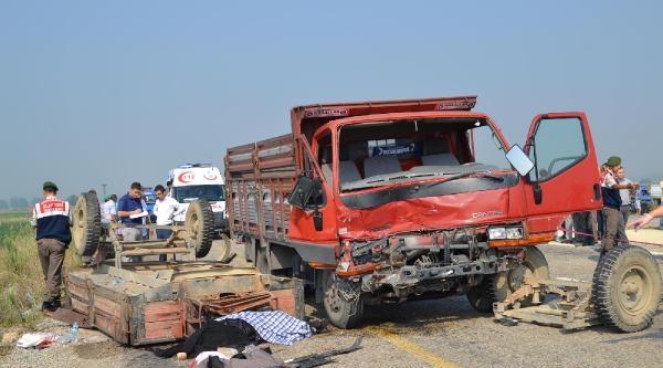Tarım İşçilerini Taşıyan Traktöre Kamyon Çarpti: 3 Ölü, 4 Yaralı (ek Fotoğraf)