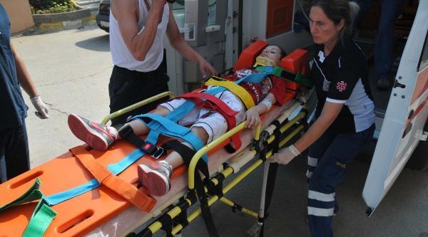 Tatil Yolunda Kaza: 3 Yaralı