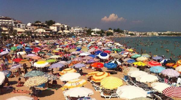 Tatilciler Plajları Doldurdu
