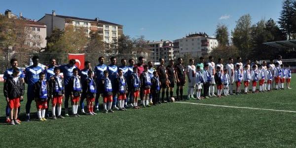 Tatvan Gençlerbirliği–Büyükşehir Belediye: 0-1(Türkiye Kupasi)