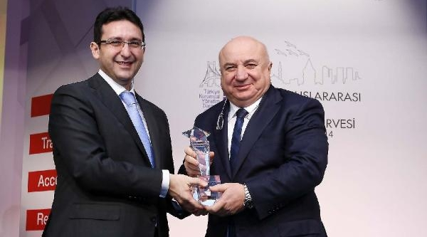 Tav  Havalimanlarina Kurumsal Yönetimde Ikincilik Ödülü