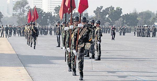 Tayland Ordusunda 'Darbe' Sessizliği