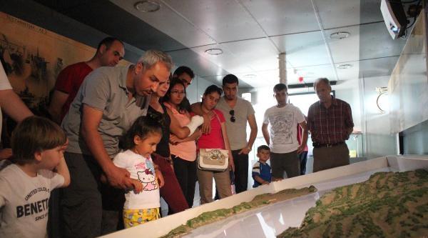 'tcg Nusret' Müze Gemisine İzmir'de Yoğun İlgi