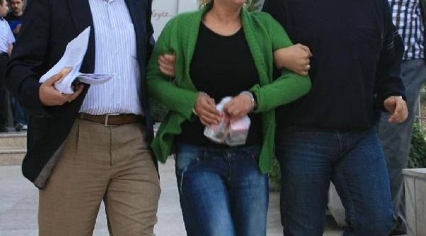 Tecavüzle Suçladiği Polisi Öldüren Kadina 15 Yil Hapis