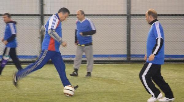 Tekirdağ Valisi, Işitme Engellilerle Futbol Maçi Yapti