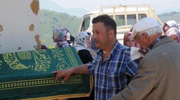 Tekirdağ'da Boğulan Bahadır Giresun'da Toprağa Verildi
